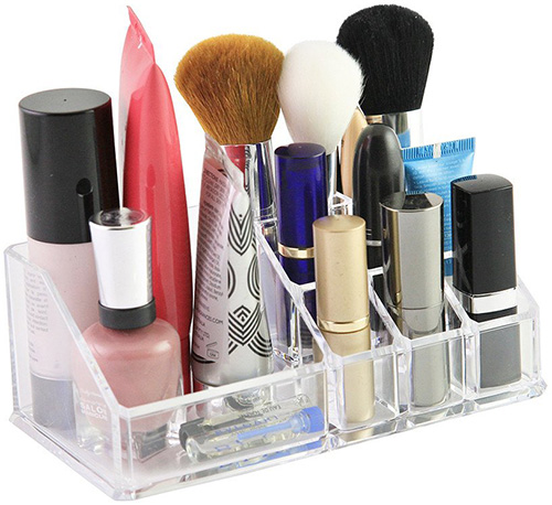 Sympler acrylic makeup organiser is perfect for brushes, lipsticks, and your beauty tools